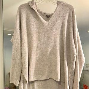 Soft AE sweatshirt with hood